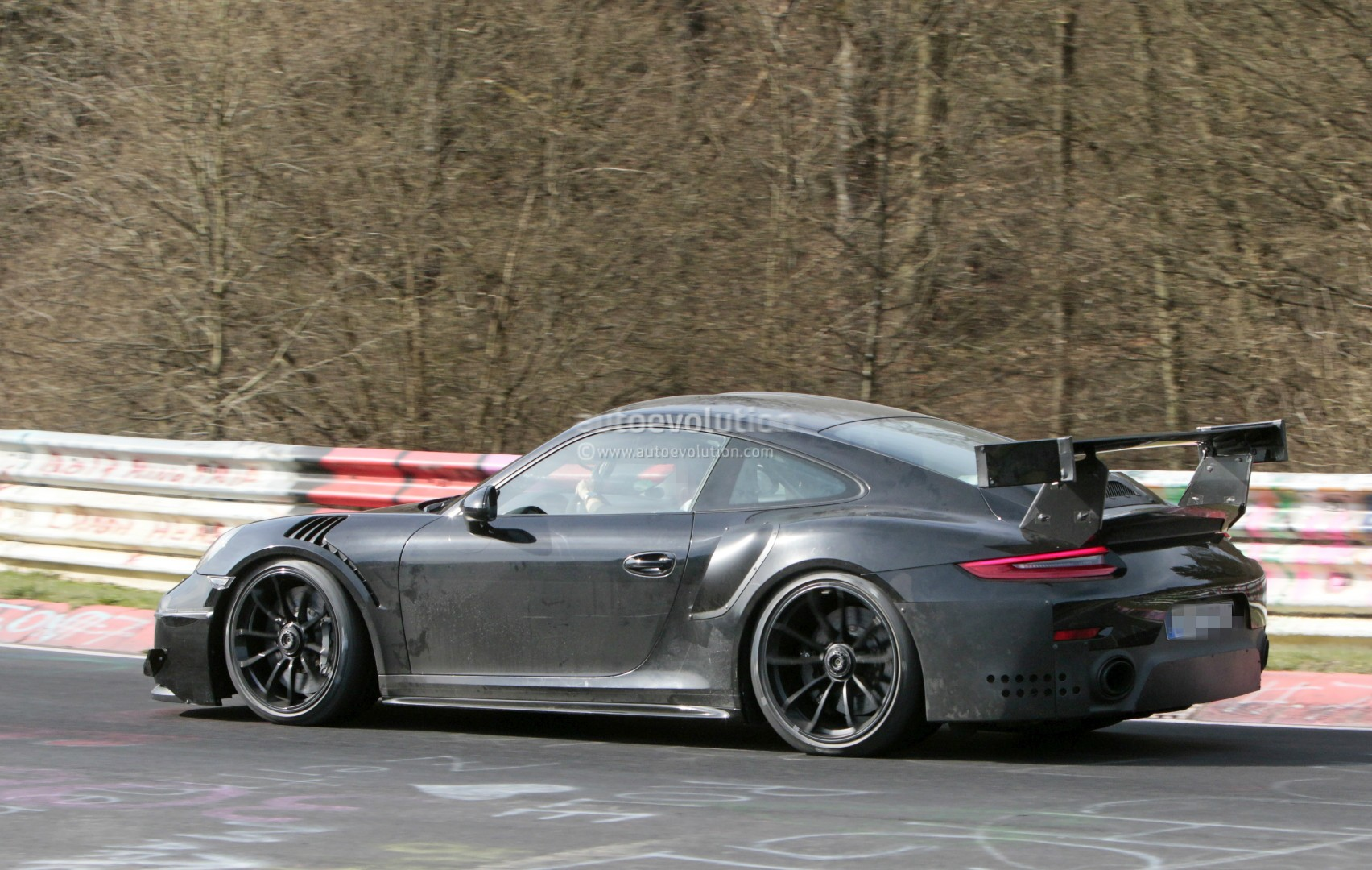 2018 porsche 911 gt2 rs revealed at e3