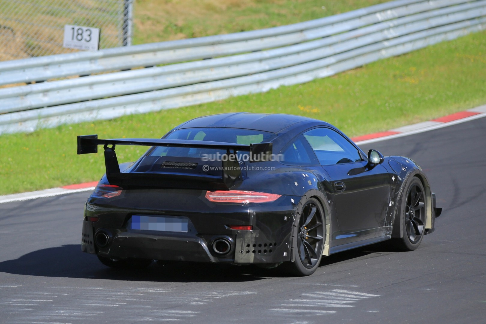 2018 porsche 911 gt2 spied on nurburgring with funny wheel. Black Bedroom Furniture Sets. Home Design Ideas