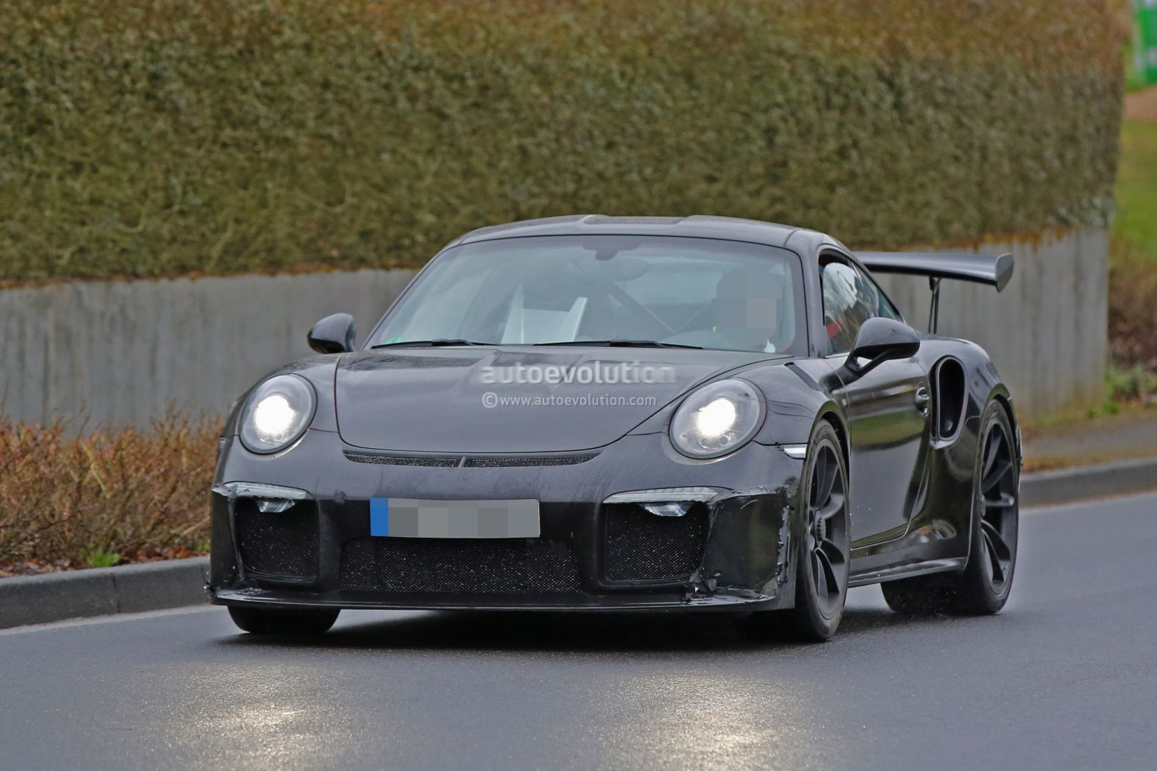 2018 porsche 911 gt3 rs spied has 4 2l engine 911 r like rear diffuser autoevolution