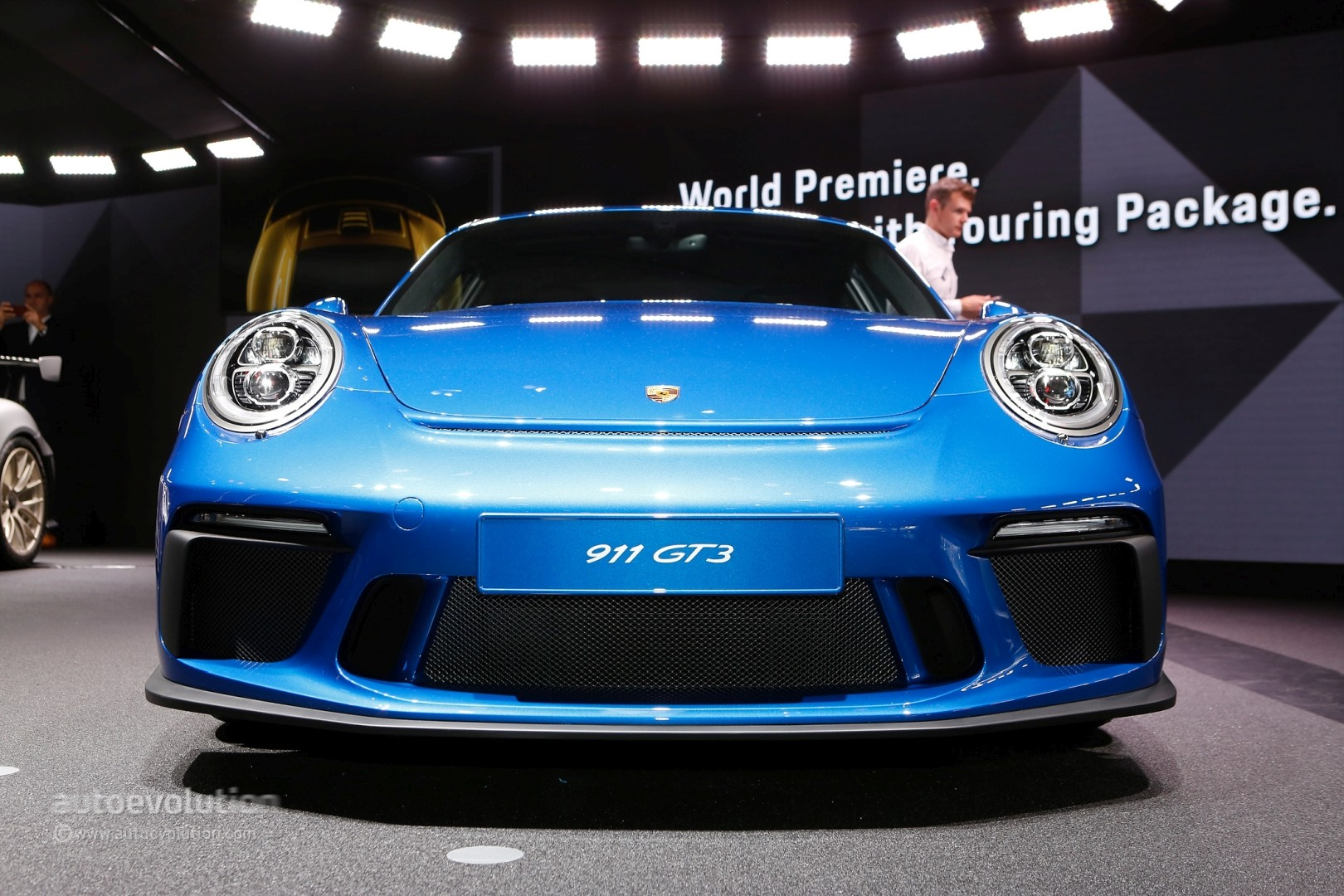 2018 Porsche 911 GT3 Touring Package Looks Bewitching in ...