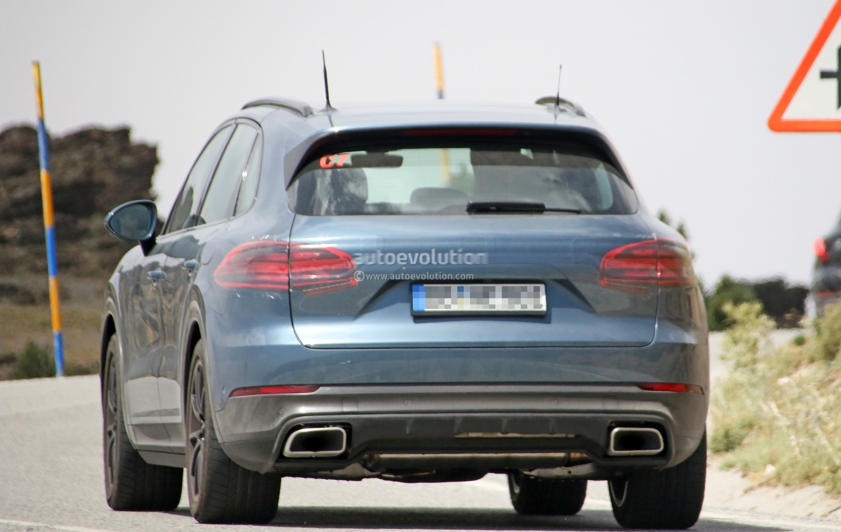 2018 Porsche Cayenne E3 Debut Reportedly Set For August