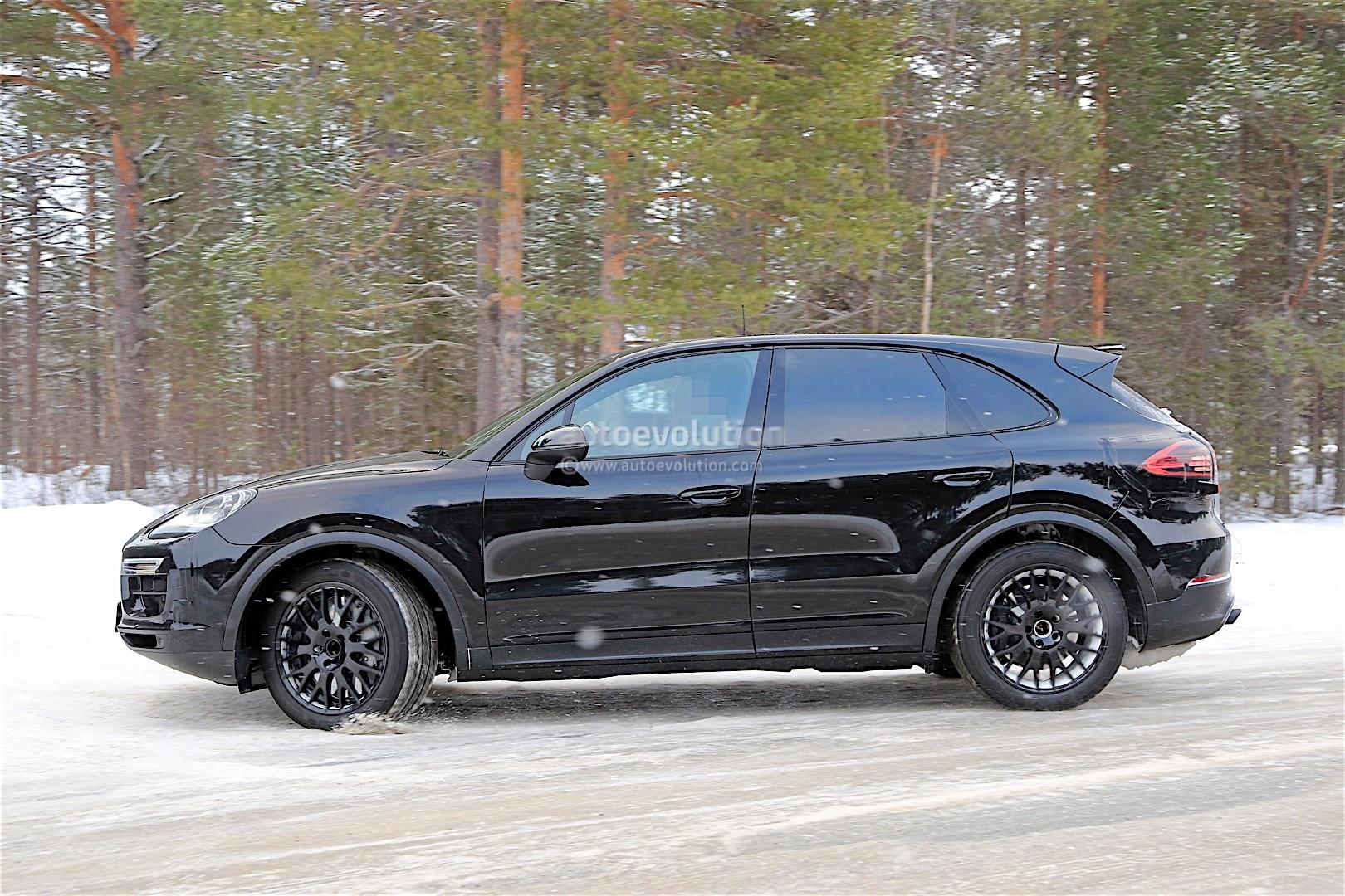 2016 - [Porsche] Cayenne III - Page 2 2018-porsche-cayenne-prototype-spied-less-disguised_6