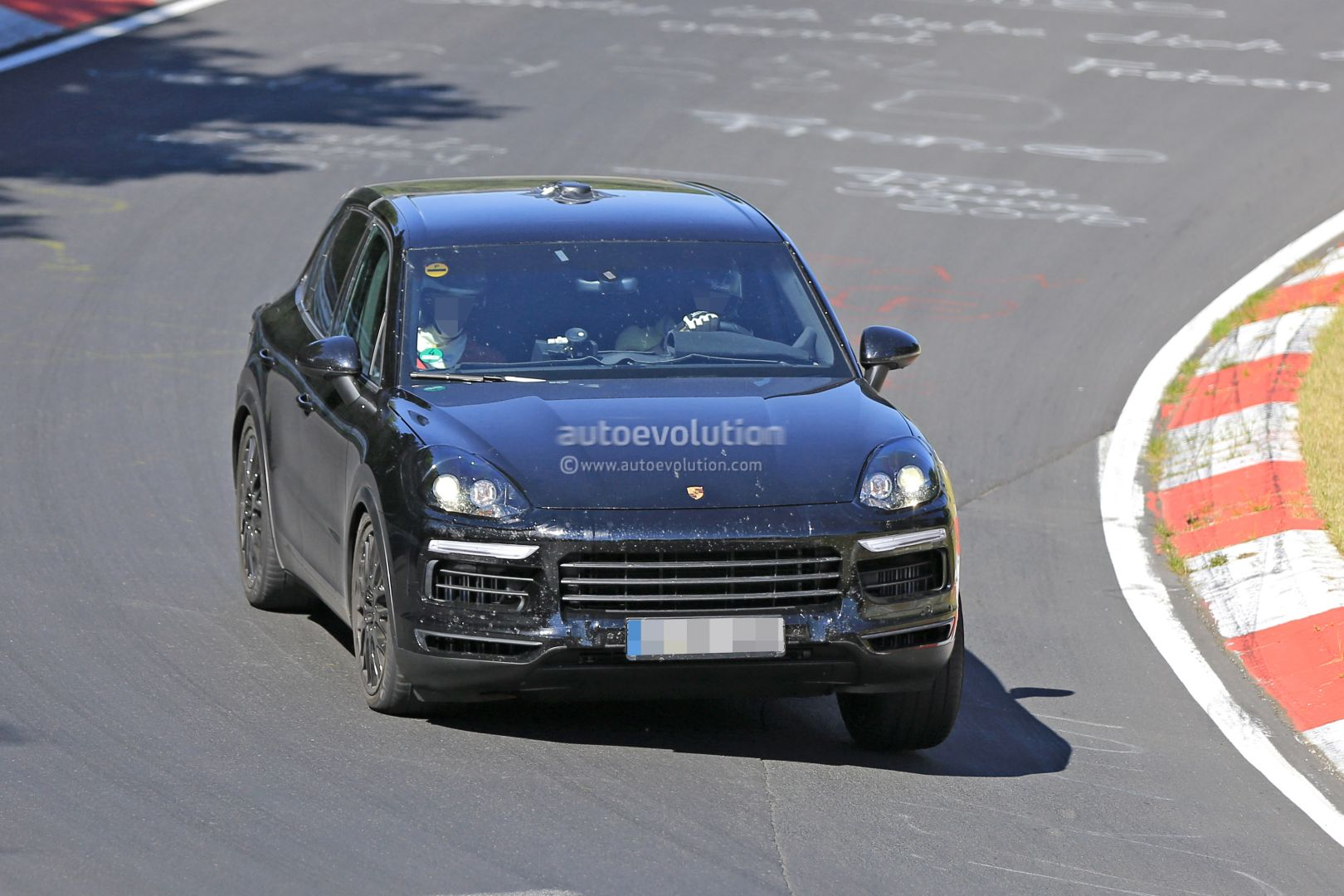 2018 porsche electric. perfect electric new 2018 porsche cayenne prototype on nurburgring with porsche electric