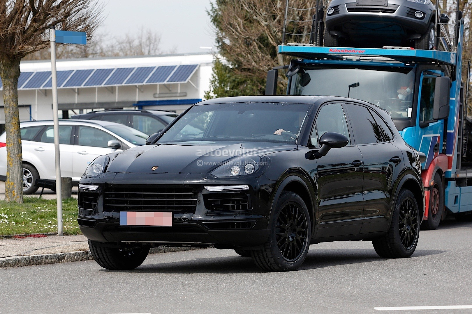 2018 Porsche Cayenne Test Mule Spied In Germany Autoevolution
