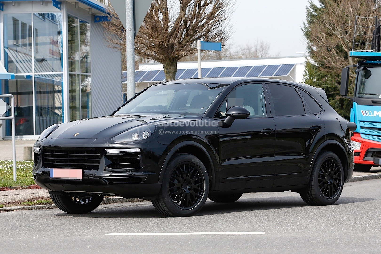 2018 porsche cayenne turbo. wonderful cayenne 2018 porsche cayenne test mule intended porsche cayenne turbo