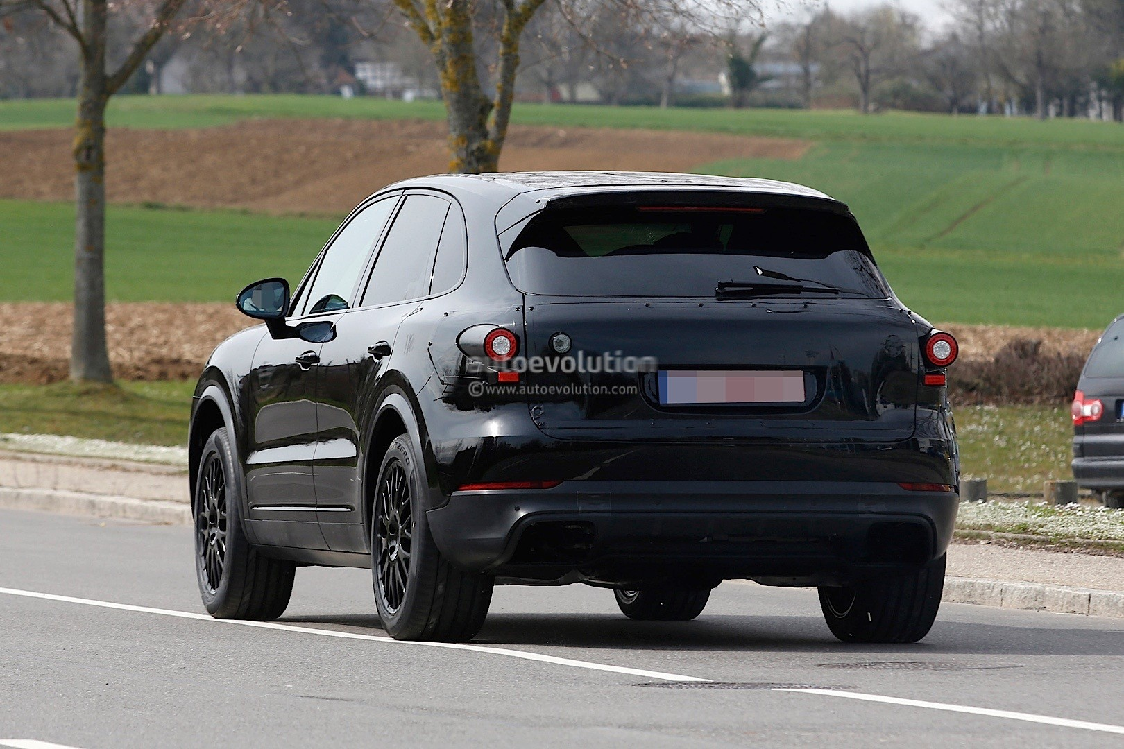2018 Porsche Cayenne Test Mule Spied In Germany Autoevolution