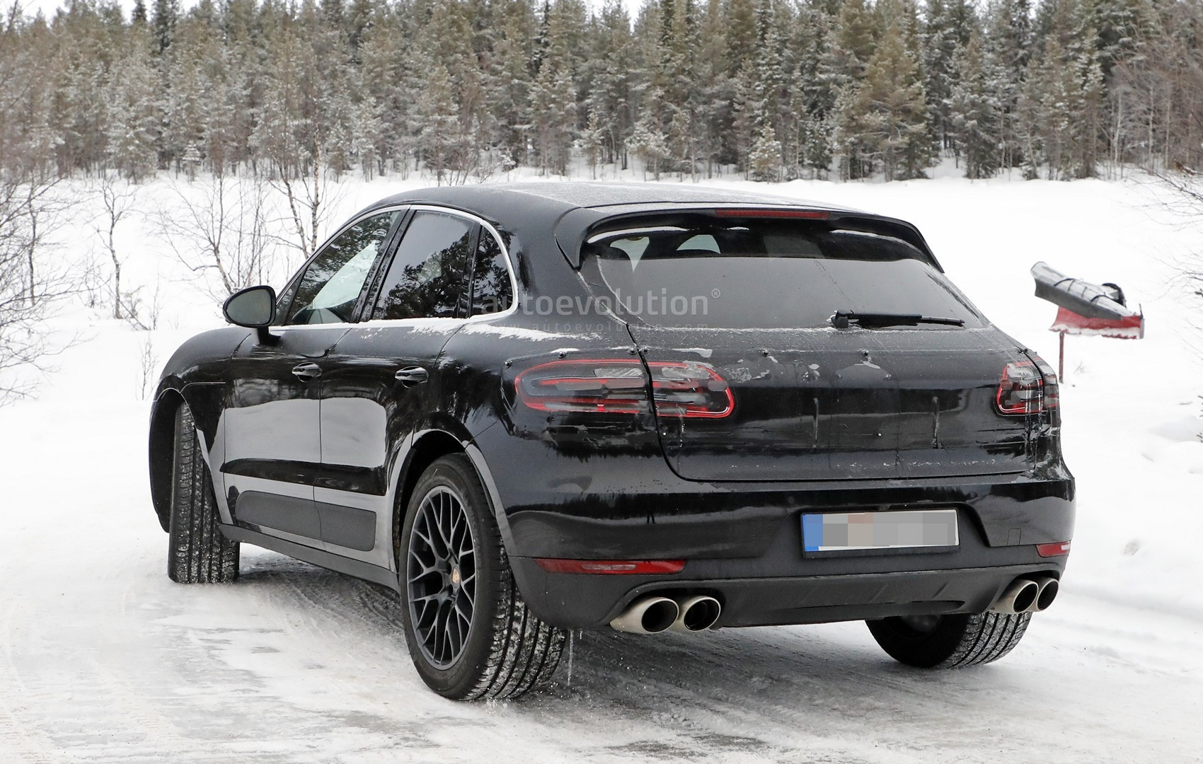 2018 porsche macan facelift. Beautiful 2018 2018 Porsche Macan Facelift Spied Undergoing Winter Testing Inside Porsche Macan Facelift P