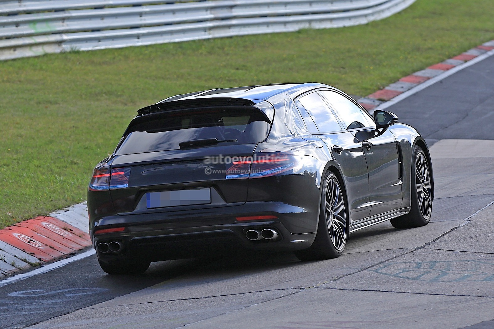 2018 porsche panamera based coupe spied for the first time autos post. Black Bedroom Furniture Sets. Home Design Ideas