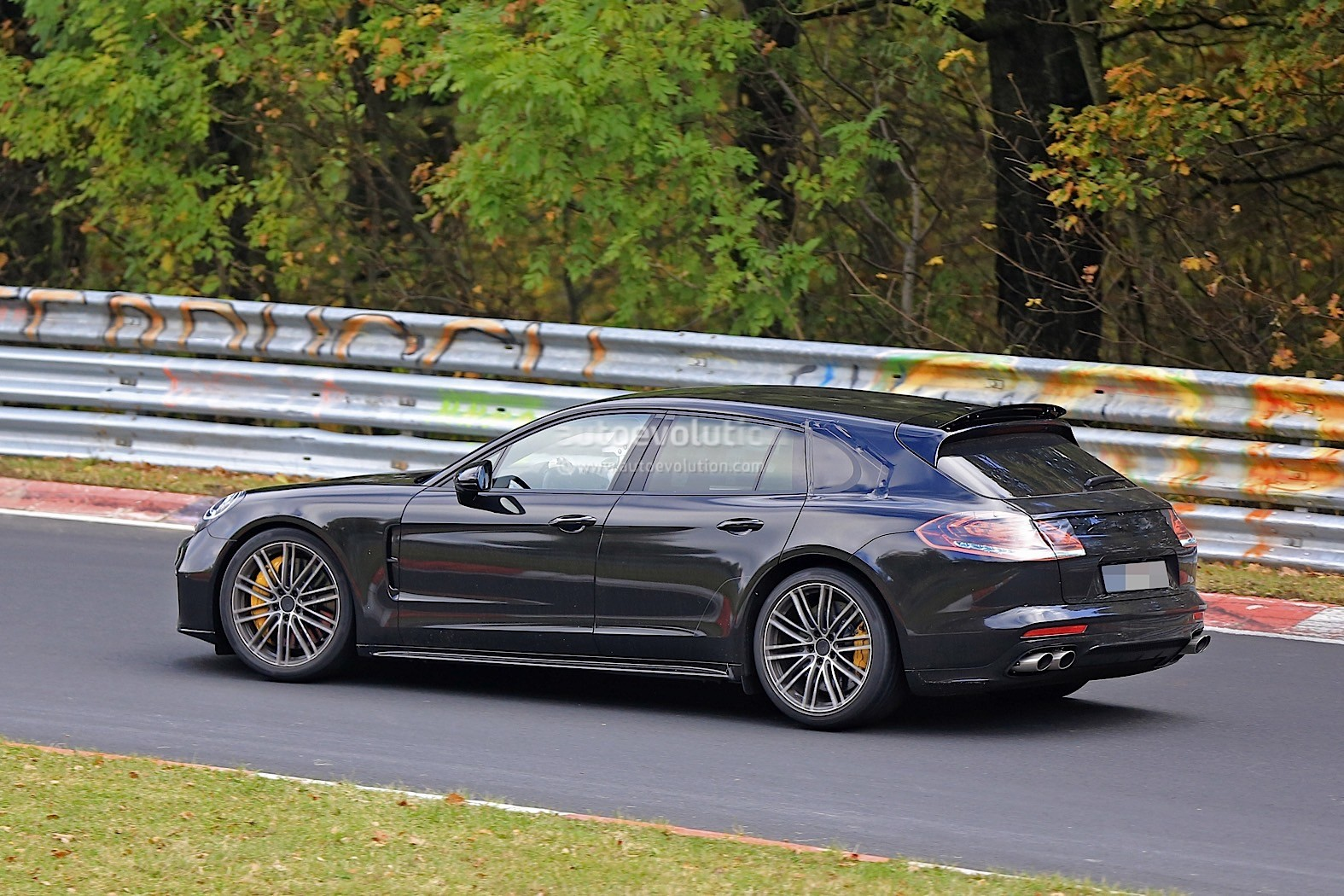 2018 Porsche Panamera Sport Turismo Wagon Spotted With Retractable Spoiler Autoevolution