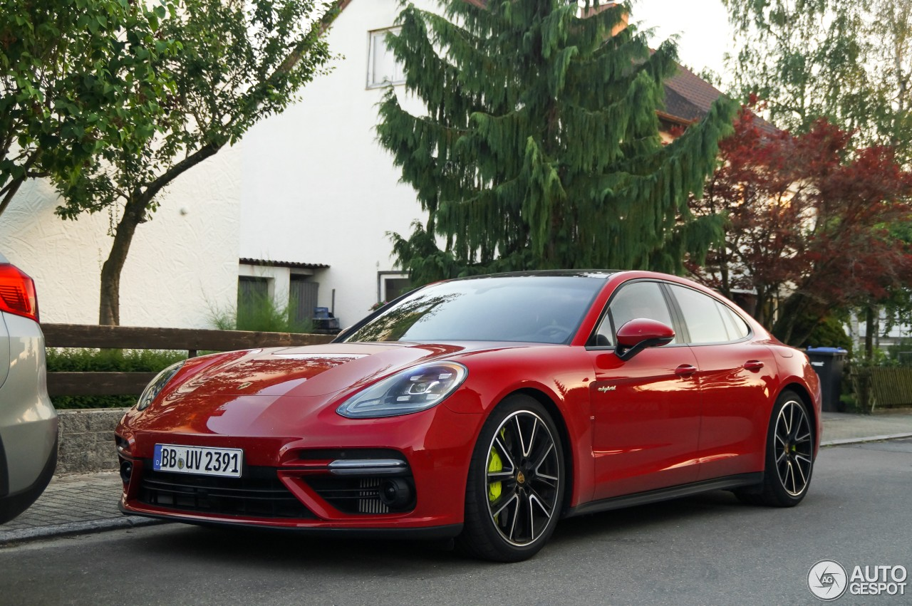 2018 porsche panamera turbo s e hybrid spotted in germany a gentle giant autoevolution. Black Bedroom Furniture Sets. Home Design Ideas