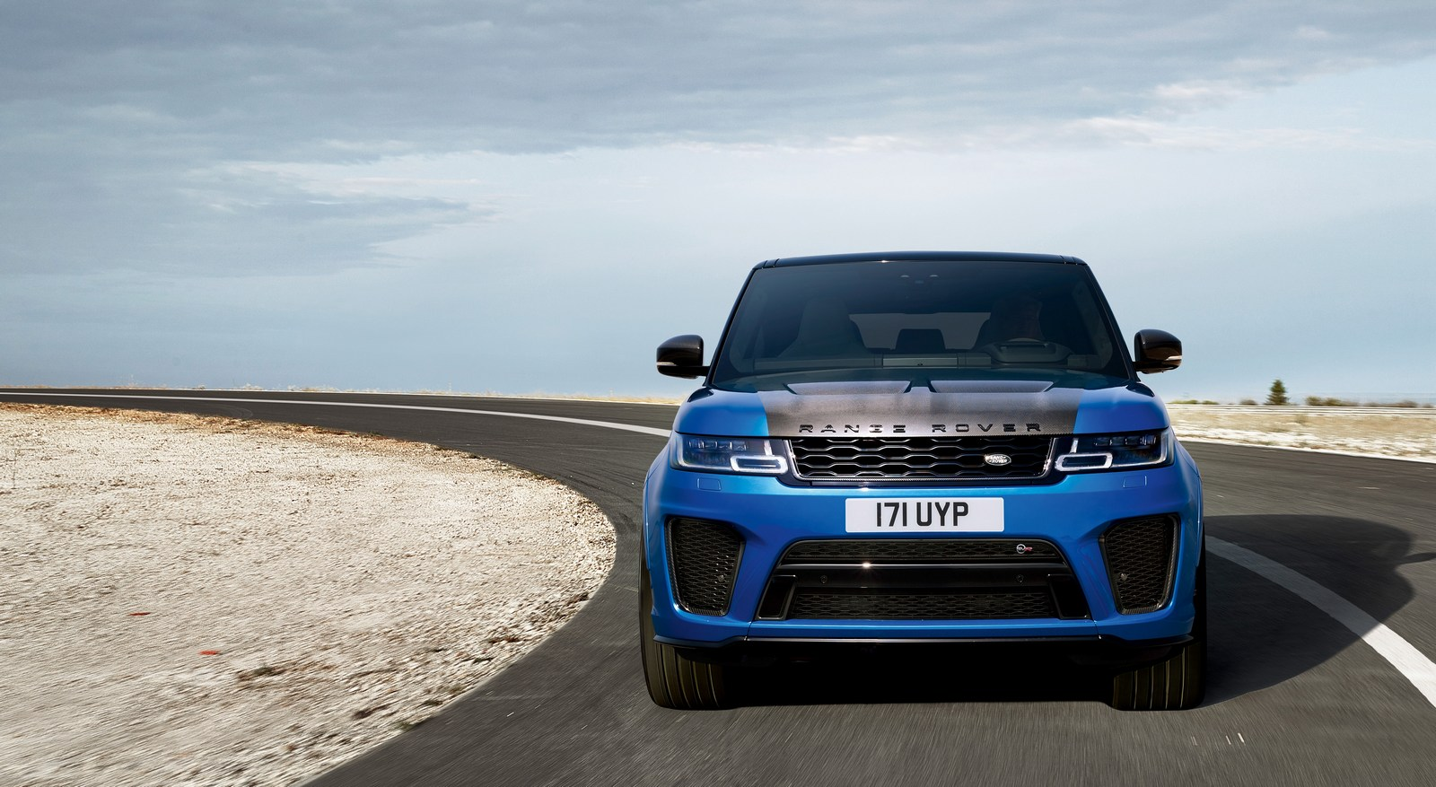 2018 range rover sport svr facelift has carbon hood autoevolution. Black Bedroom Furniture Sets. Home Design Ideas