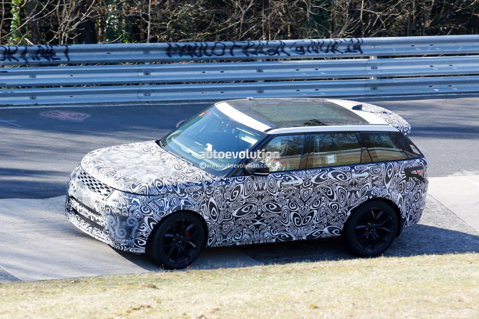2018 Range Rover Sport SVR Shows Production Lights, Exhaust Tips on ...