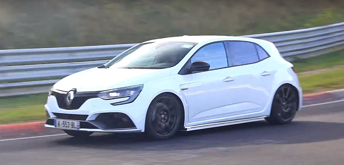 2018 renault megane rs chases nurburgring fwd record out for civic type r blood autoevolution. Black Bedroom Furniture Sets. Home Design Ideas
