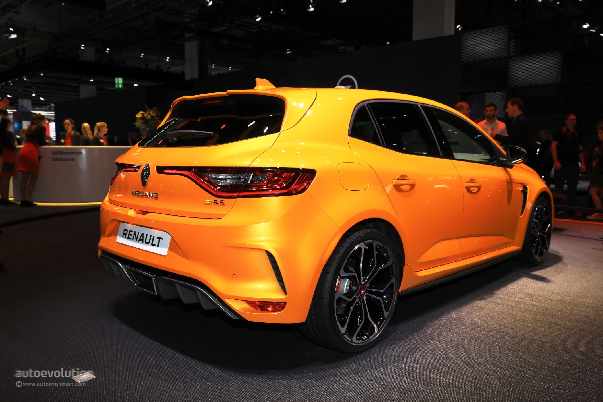 2018 renault megane rs is the best hot hatchback at iaa 2017 autoevolution. Black Bedroom Furniture Sets. Home Design Ideas