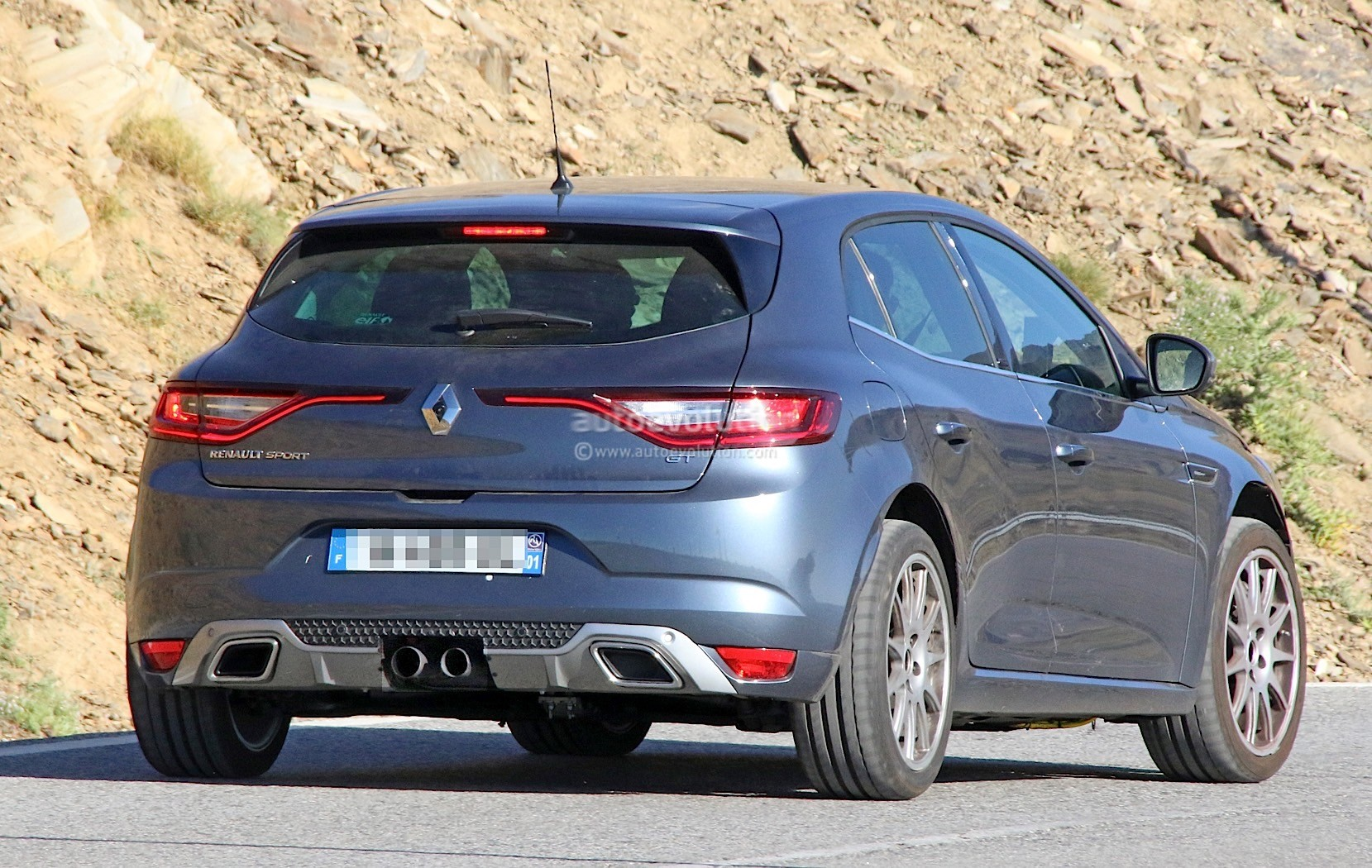 2018 renault megane rs spied wearing megane gt clothes autoevolution