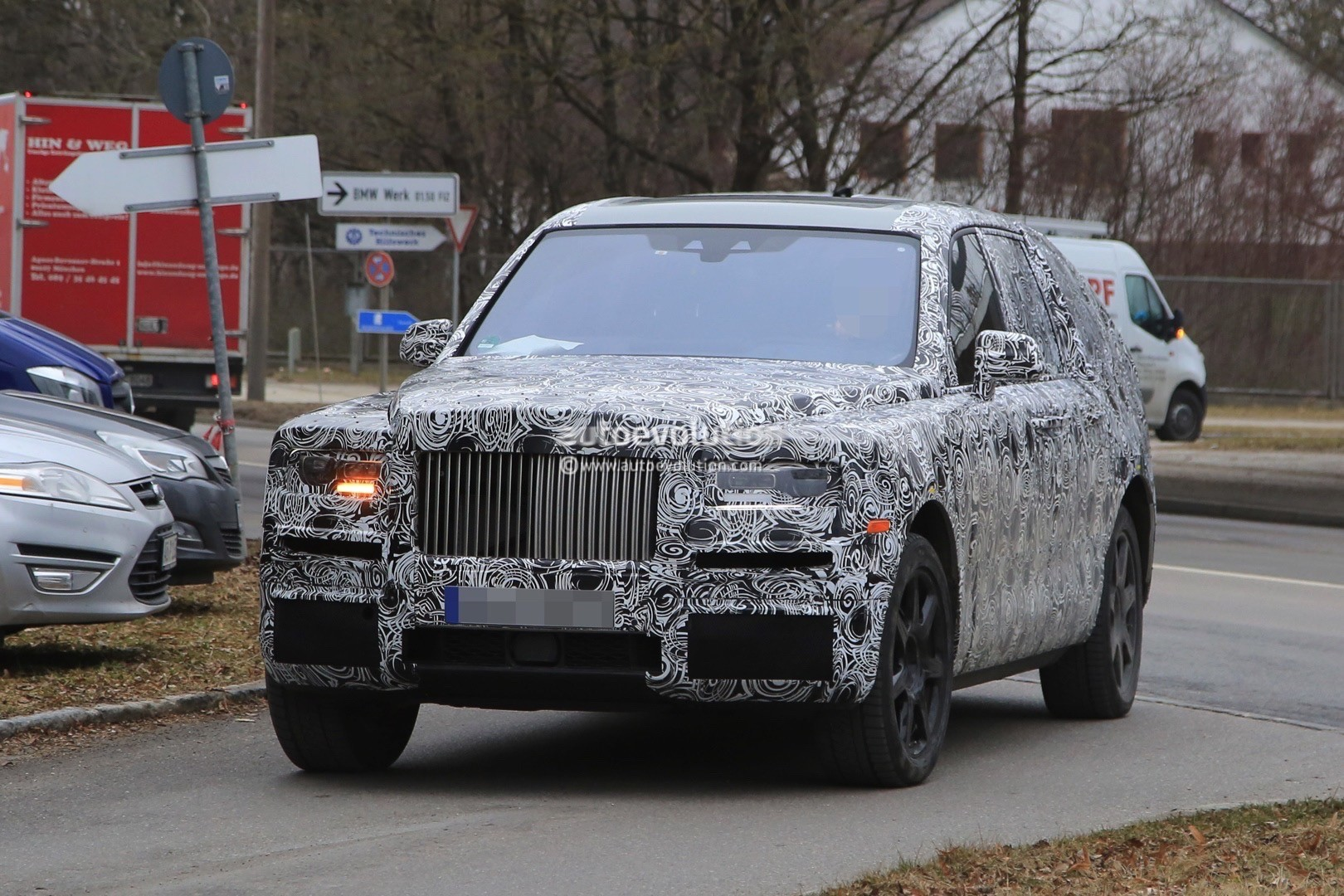 2018 rolls royce phantom lwb. simple rolls 2018 rolls royce cullinan suv with rolls royce phantom lwb