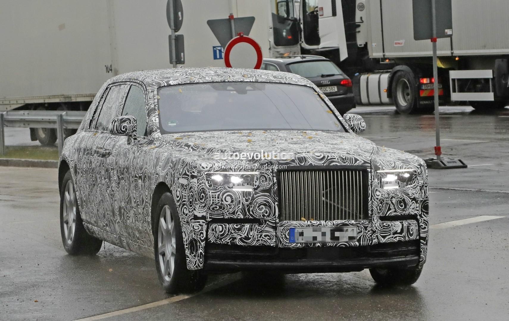 2017 - [Rolls Royce] Phantom - Page 2 2018-rolls-royce-phantom-prototype-partially-reveals-new-headlights-taillights_2