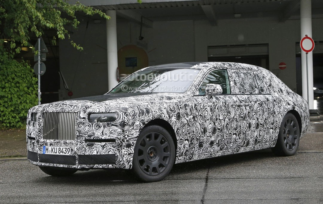2018 rolls royce phantom spied towing a cargo trailer at high altitude autoevolution. Black Bedroom Furniture Sets. Home Design Ideas