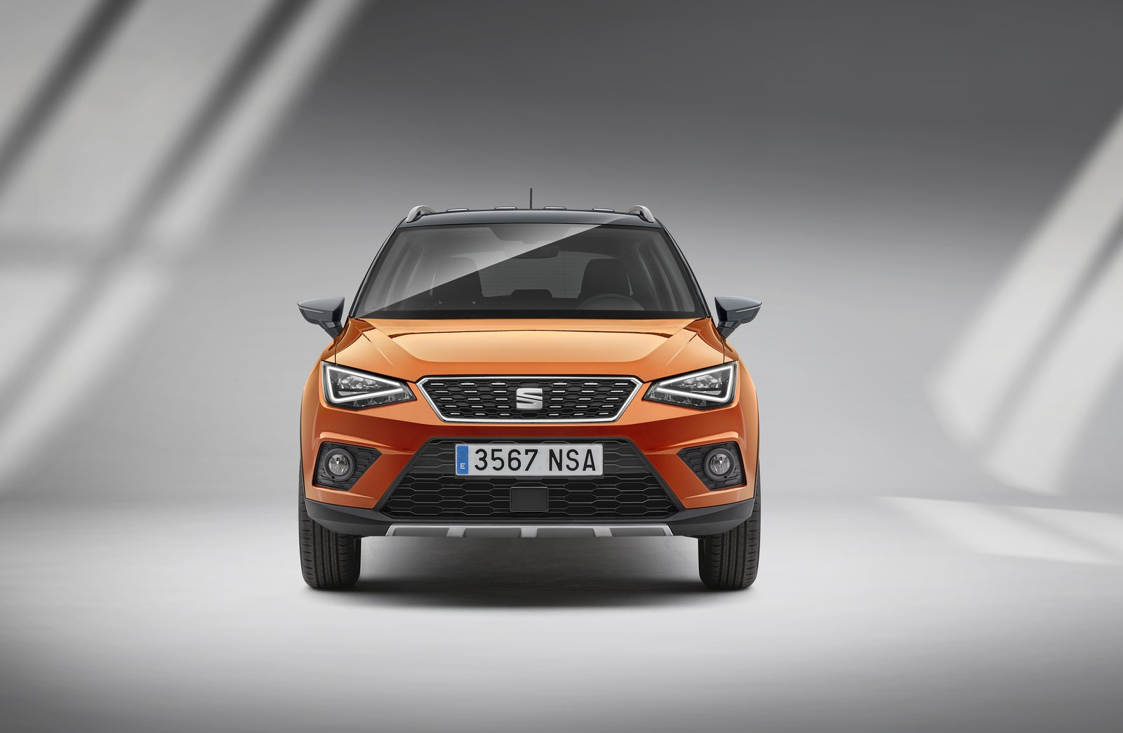 2018 seat arona priced from just 16 555 in the uk autoevolution. Black Bedroom Furniture Sets. Home Design Ideas