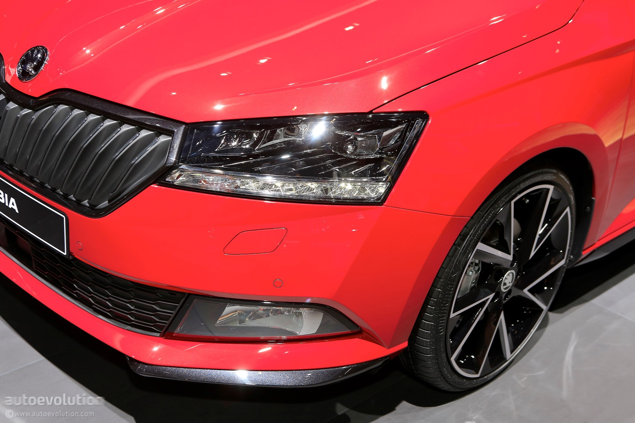 2018 skoda fabia rolls out midcycle refresh at geneva