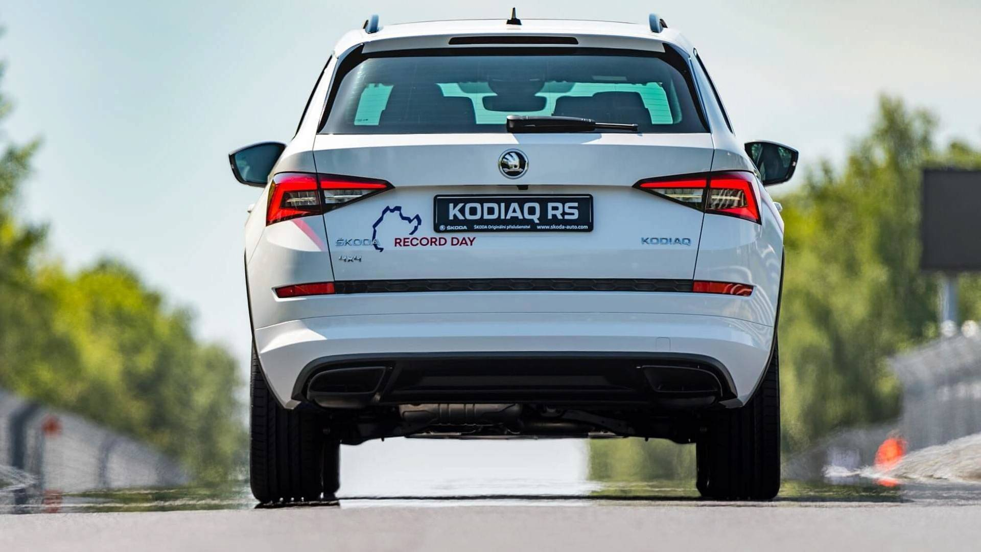 2018 skoda kodiaq rs sets new but very slow nurburgring record autoevolution. Black Bedroom Furniture Sets. Home Design Ideas
