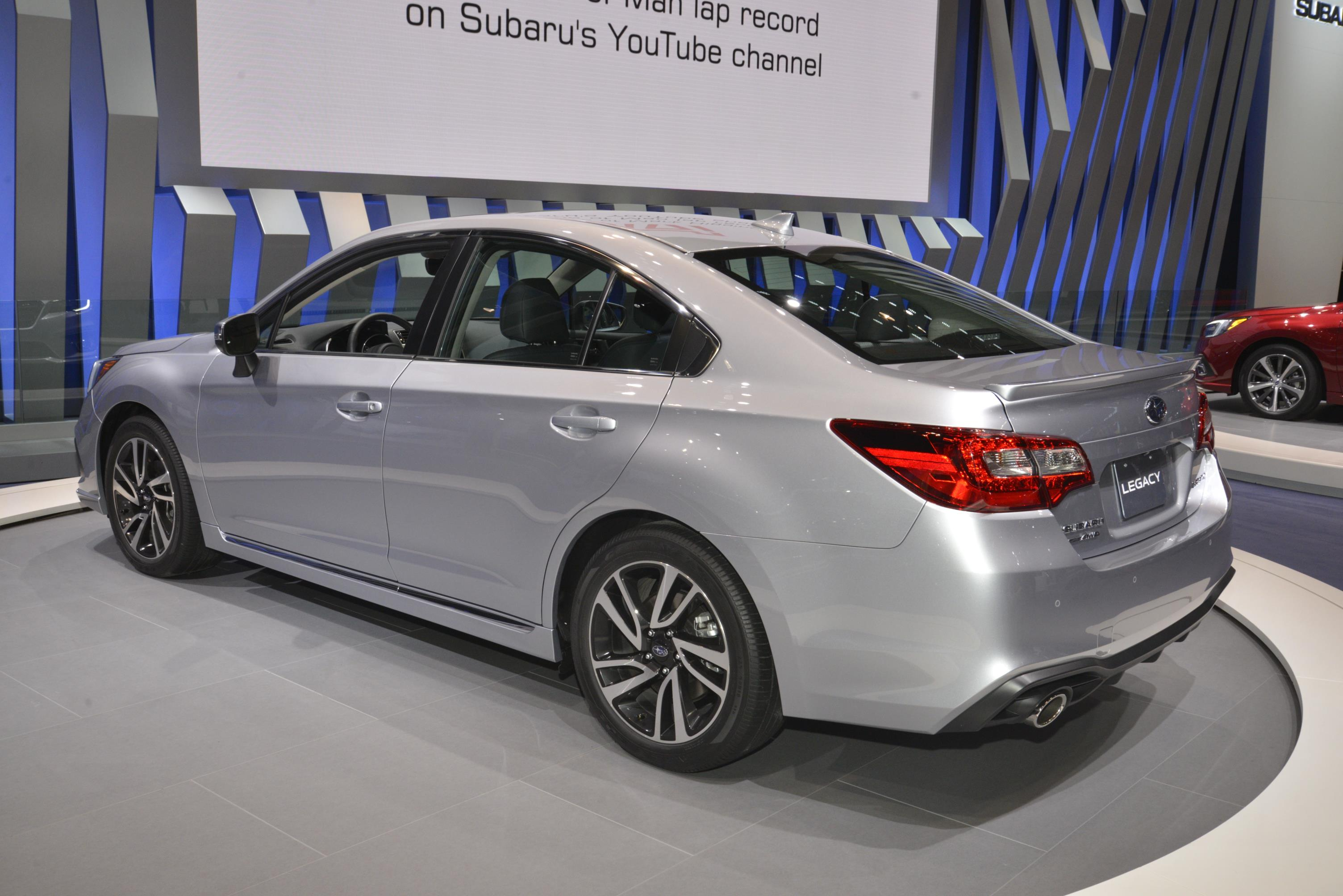 2018 subaru legacy has a hint of impreza in chicago autoevolution. Black Bedroom Furniture Sets. Home Design Ideas