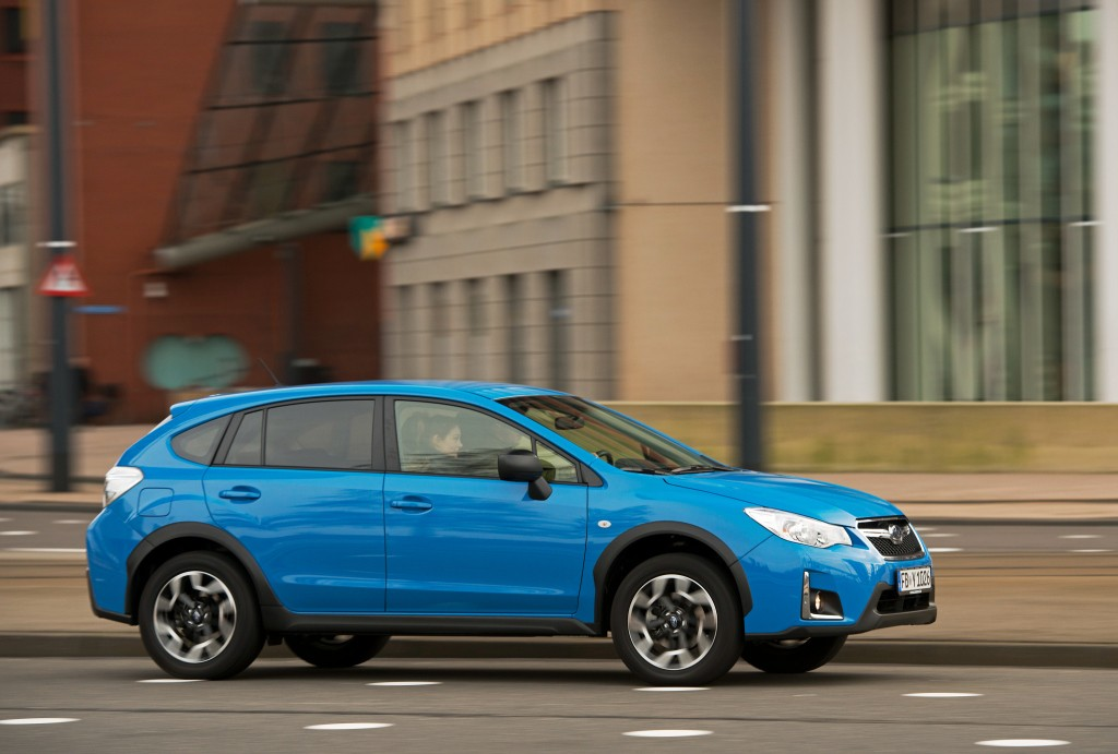 2018 Subaru XV Crosstrek Teased, Confirmed to Debut at ...