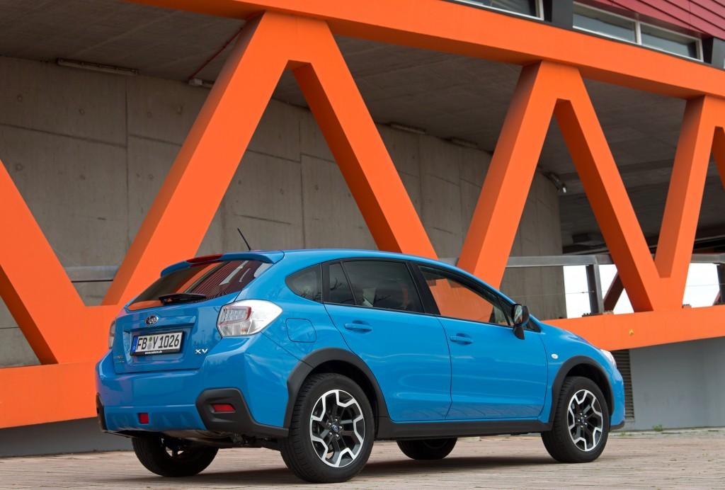 2018 Subaru XV Crosstrek Teased, Confirmed to Debut at 2017