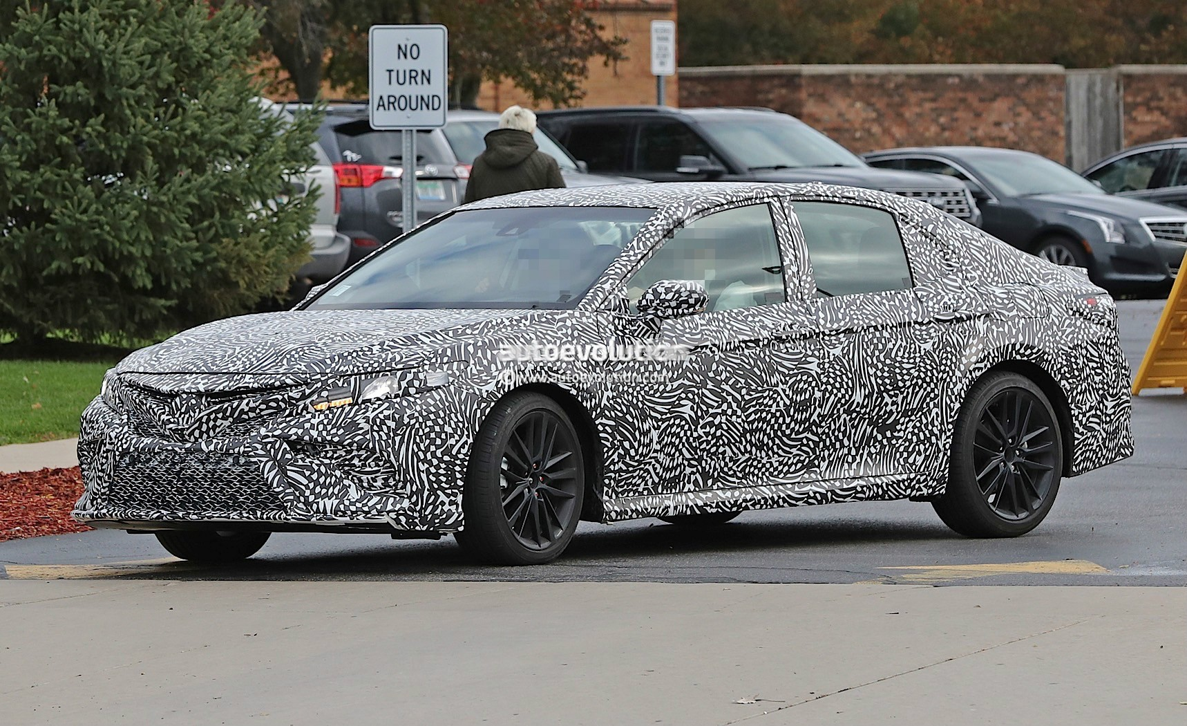 2018 toyota camry teased ahead of 2017 detroit auto show unveiling autoevolution. Black Bedroom Furniture Sets. Home Design Ideas