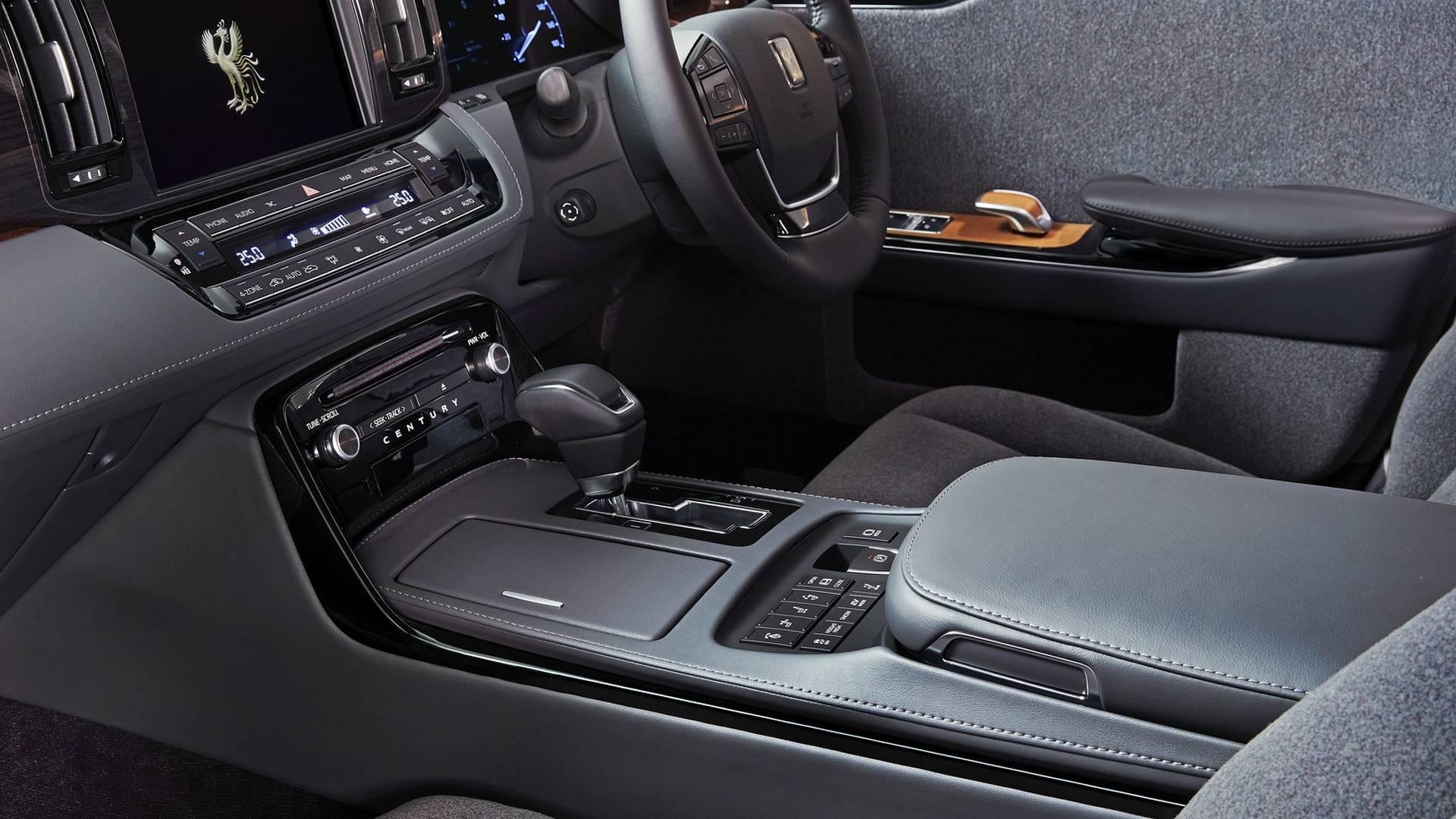2018 toyota century hybrid luxury sedan goes on sale in japan autoevolution. Black Bedroom Furniture Sets. Home Design Ideas
