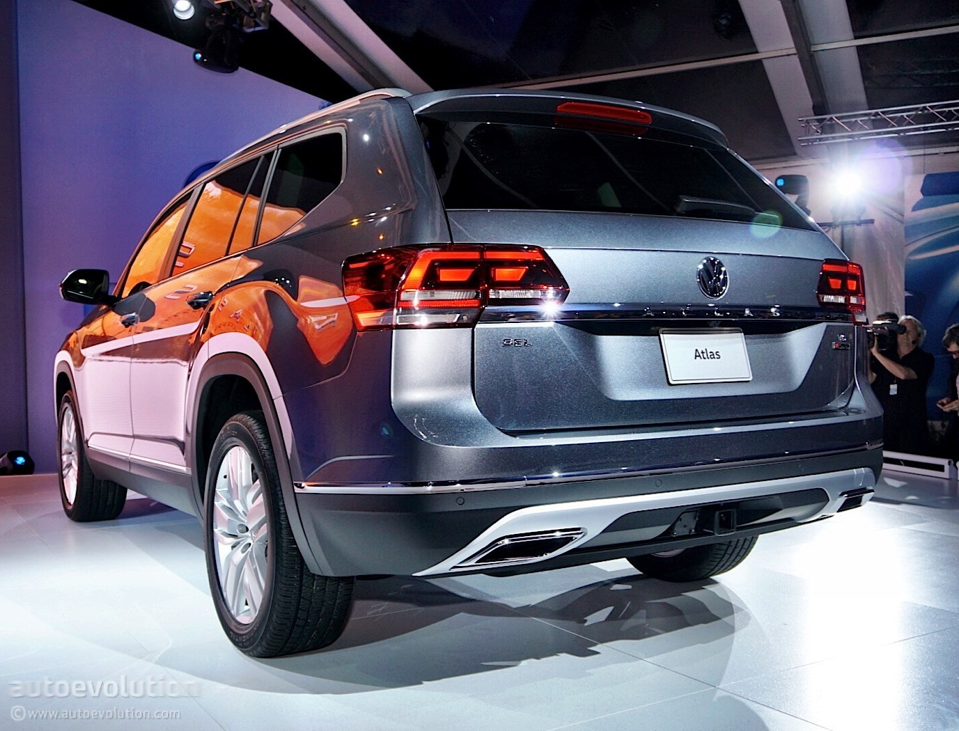 Volkswagen Atlas Enters Production In Chattanooga Autoevolution - Car show chattanooga 2018