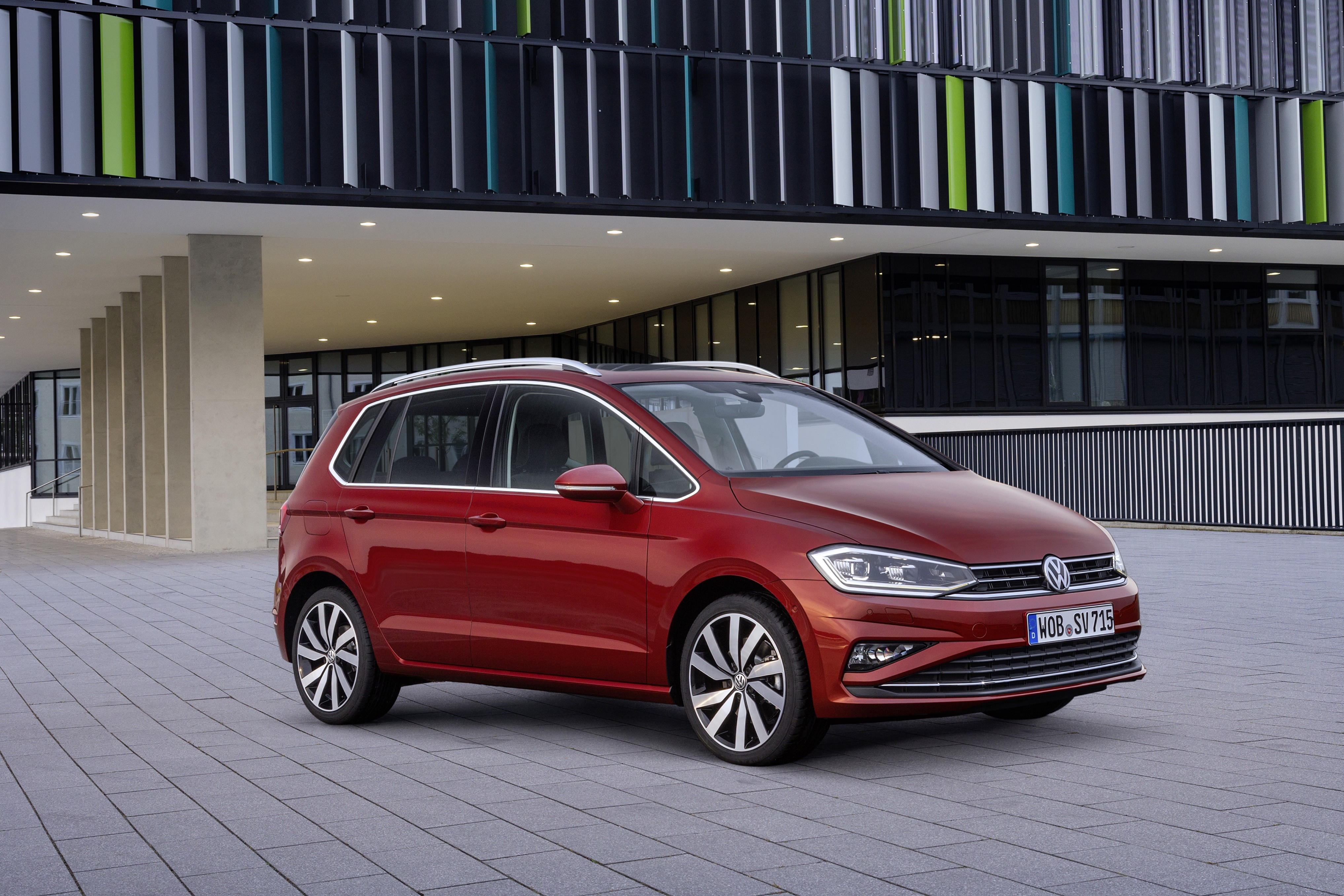 2018 volkswagen golf sportsvan refreshed just in time for. Black Bedroom Furniture Sets. Home Design Ideas