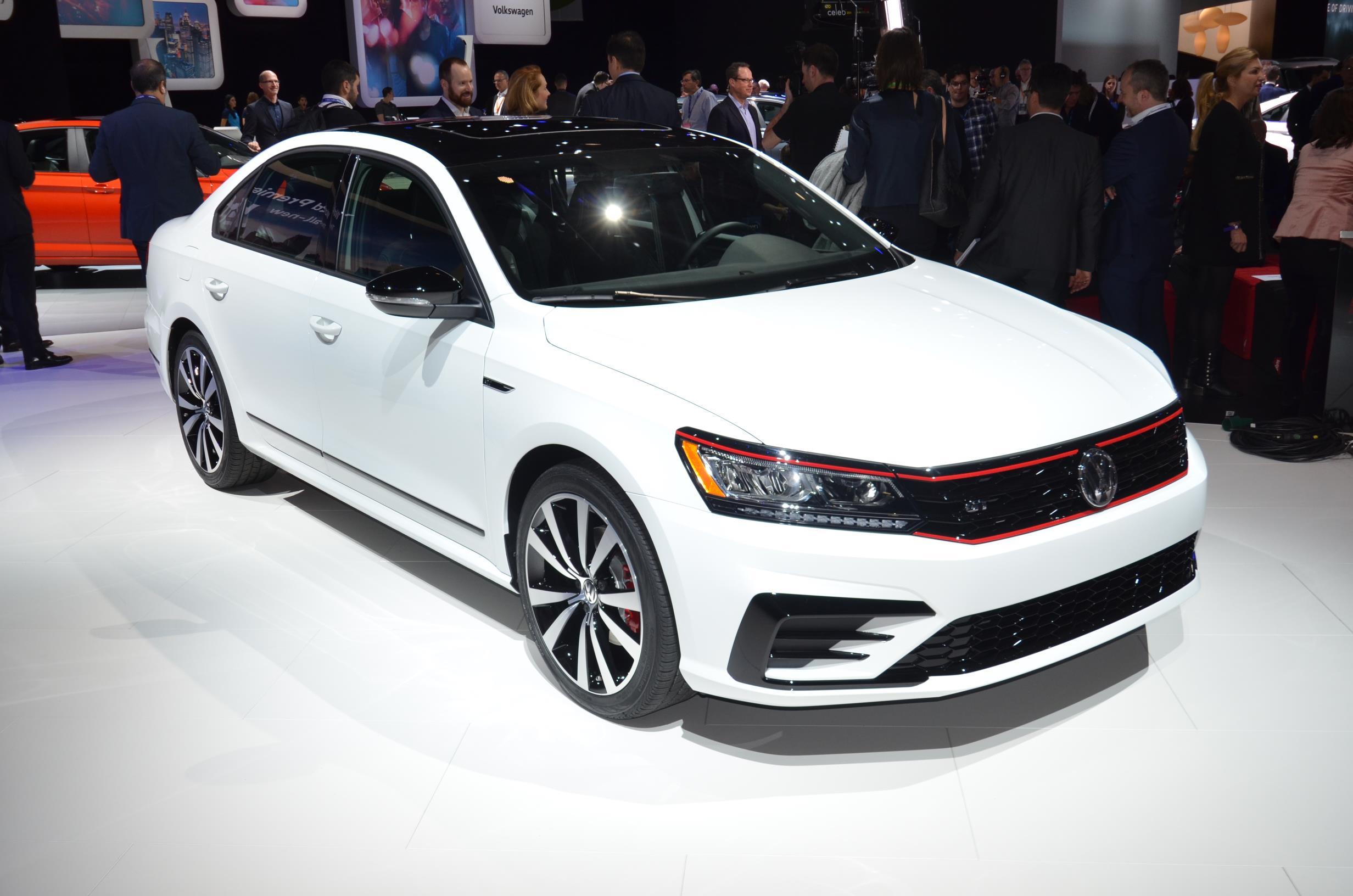 2018 Volkswagen Passat GT Is a Sweet Swan Song in Detroit - autoevolution