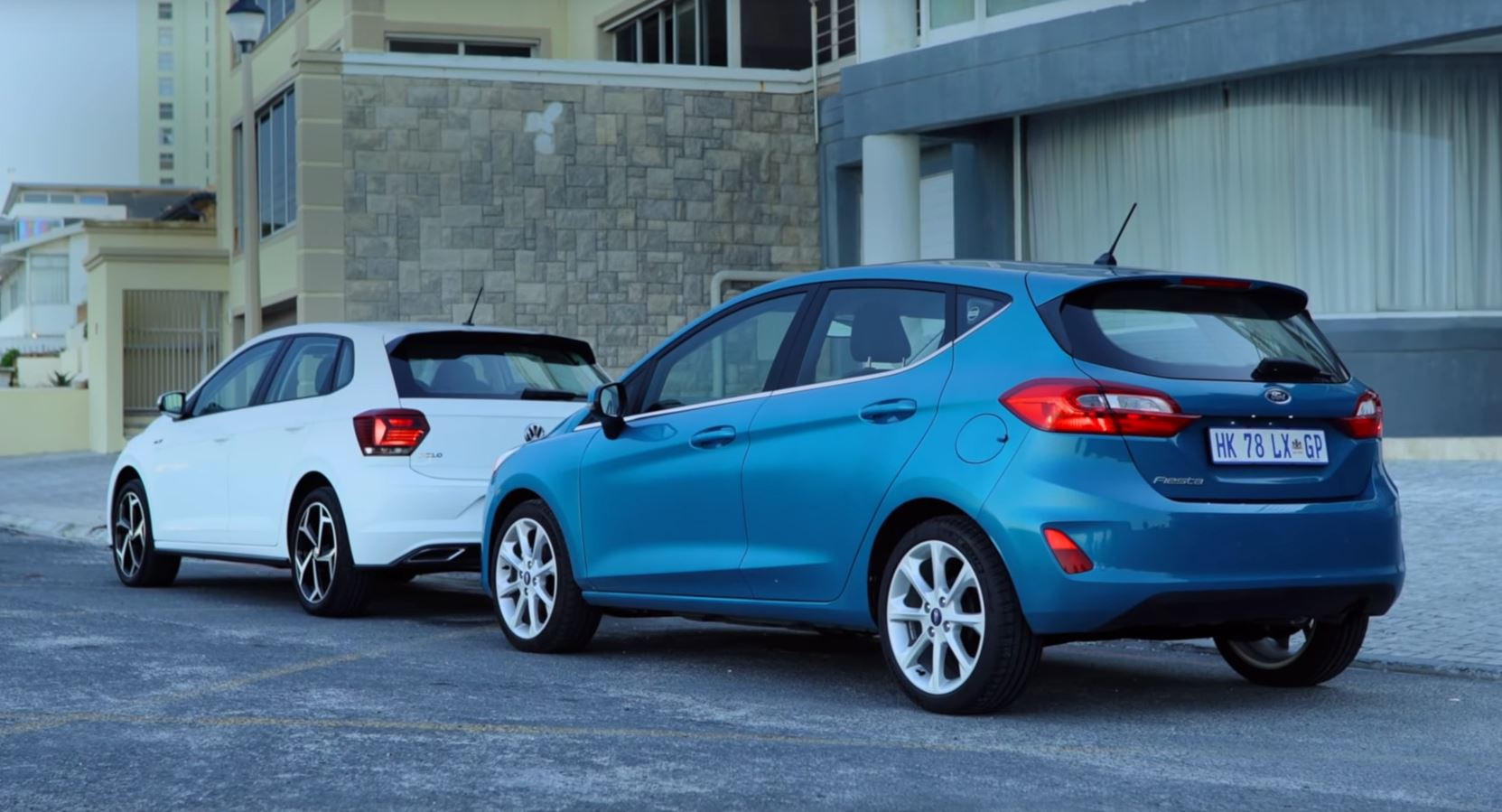 2018 Volkswagen Polo Takes On New Ford Fiesta In Battle Of The Superminis Autoevolution