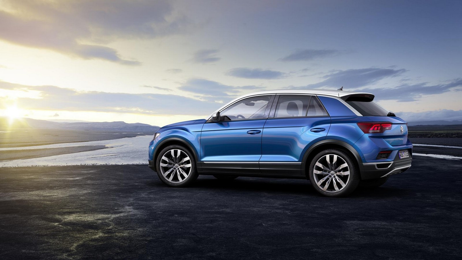 2018 volkswagen t roc is big bold and comes with 190 hp engines autoevolution. Black Bedroom Furniture Sets. Home Design Ideas