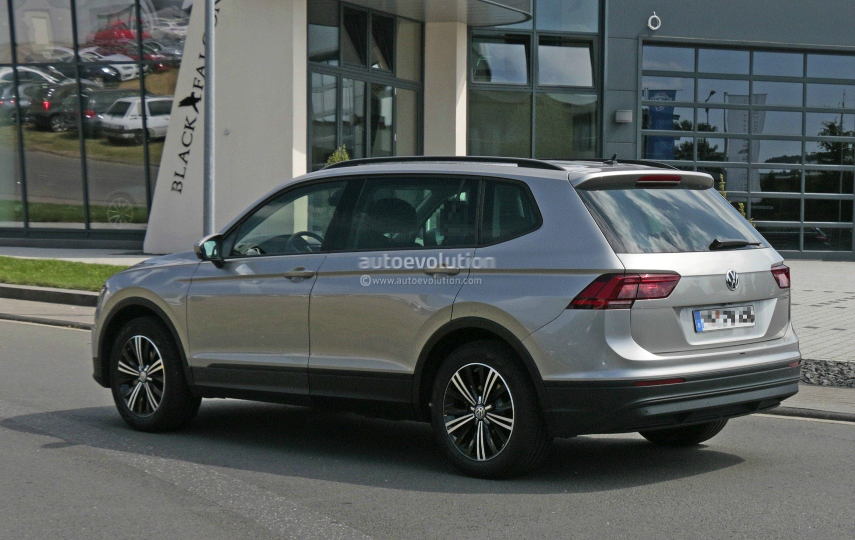 2018 Volkswagen Tiguan Allspace 7 Seater Teased For