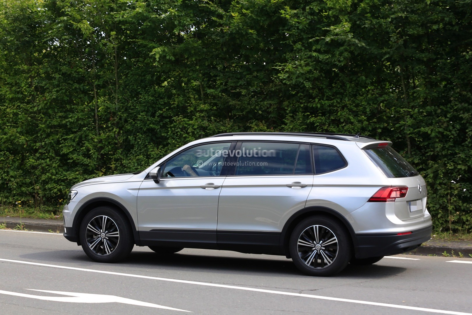 Tiguan Gte 2018 >> 2018 Volkswagen Tiguan Allspace 7-Seater Teased for Detroit - autoevolution