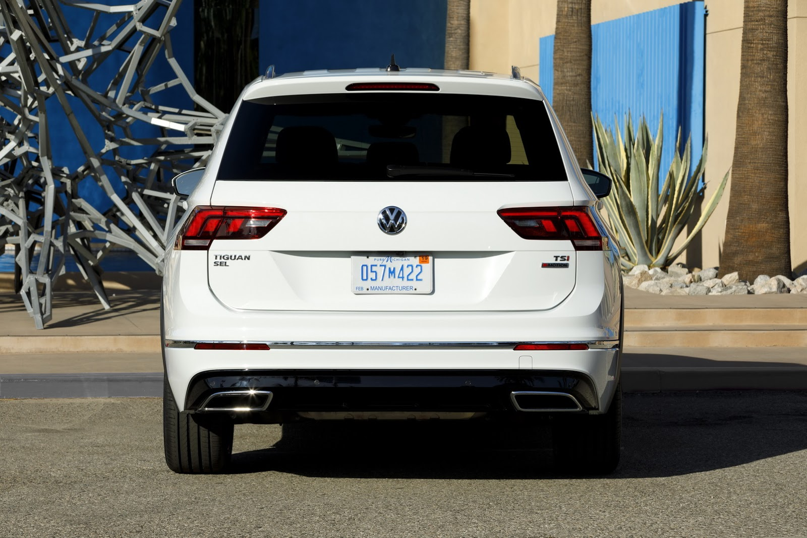 2018 volkswagen tiguan gets r line body kit in america autoevolution. Black Bedroom Furniture Sets. Home Design Ideas
