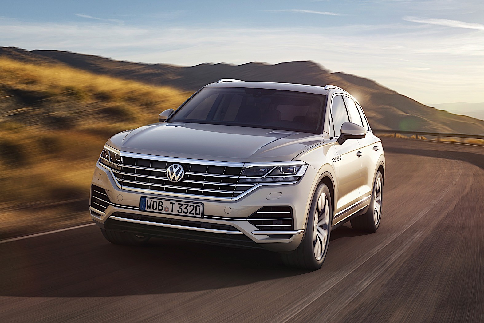 2018 Volkswagen Touareg Breaks Cover in China - autoevolution