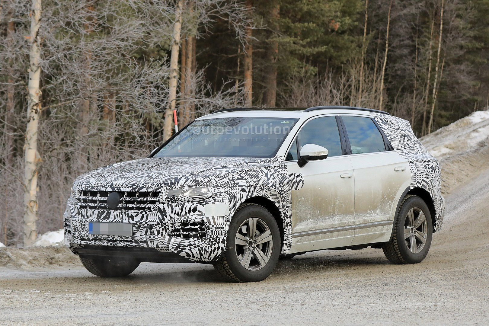 2018 Volkswagen Touareg Reportedly Set For Debut In April