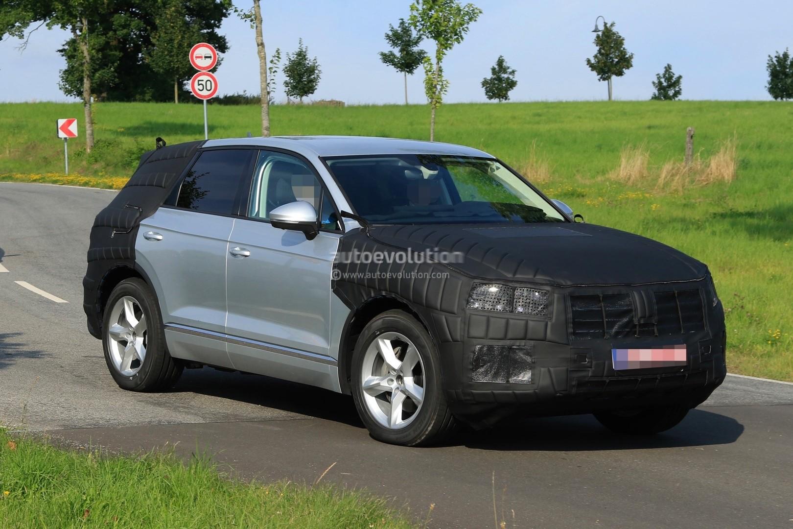 2018 volkswagen touareg spied benchmarking against audi q7