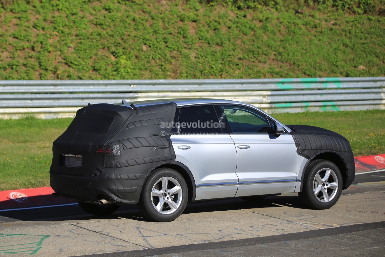 2018 Volkswagen Touareg Spied In Production Ready Form