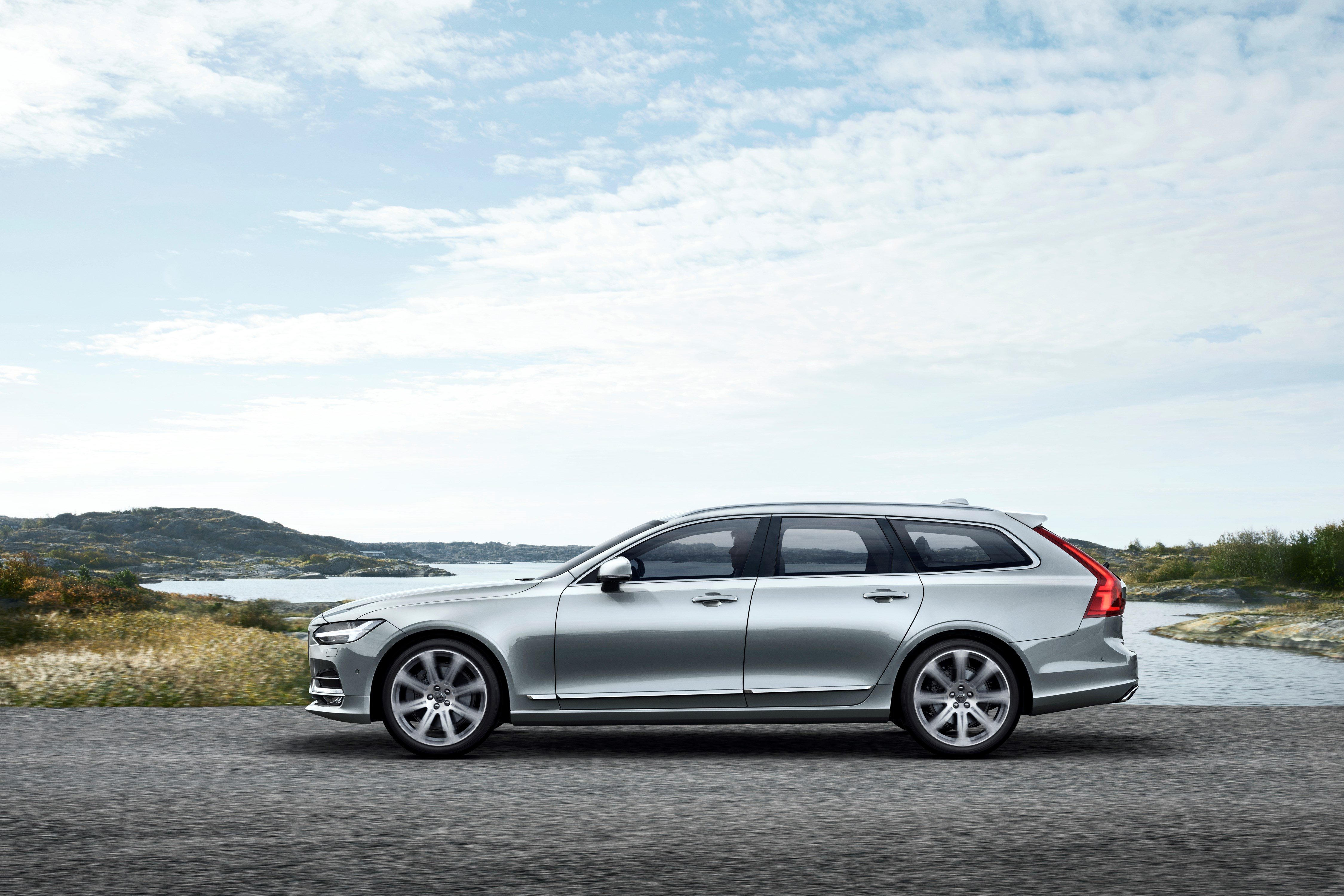 2018 Volvo V90 Coming to Detroit, Staying for Wagon Love - autoevolution
