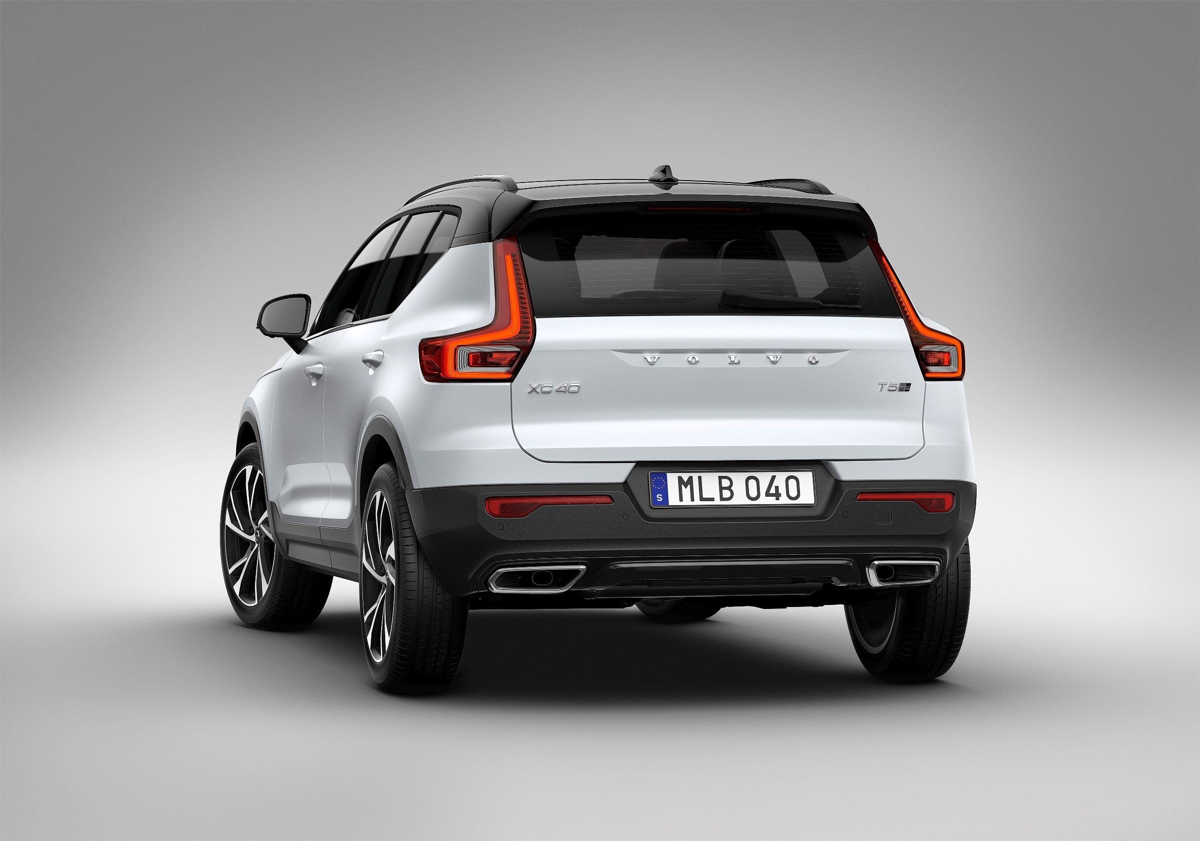 2018 volvo xc40 debuts with care by volvo subscription service autoevolution. Black Bedroom Furniture Sets. Home Design Ideas
