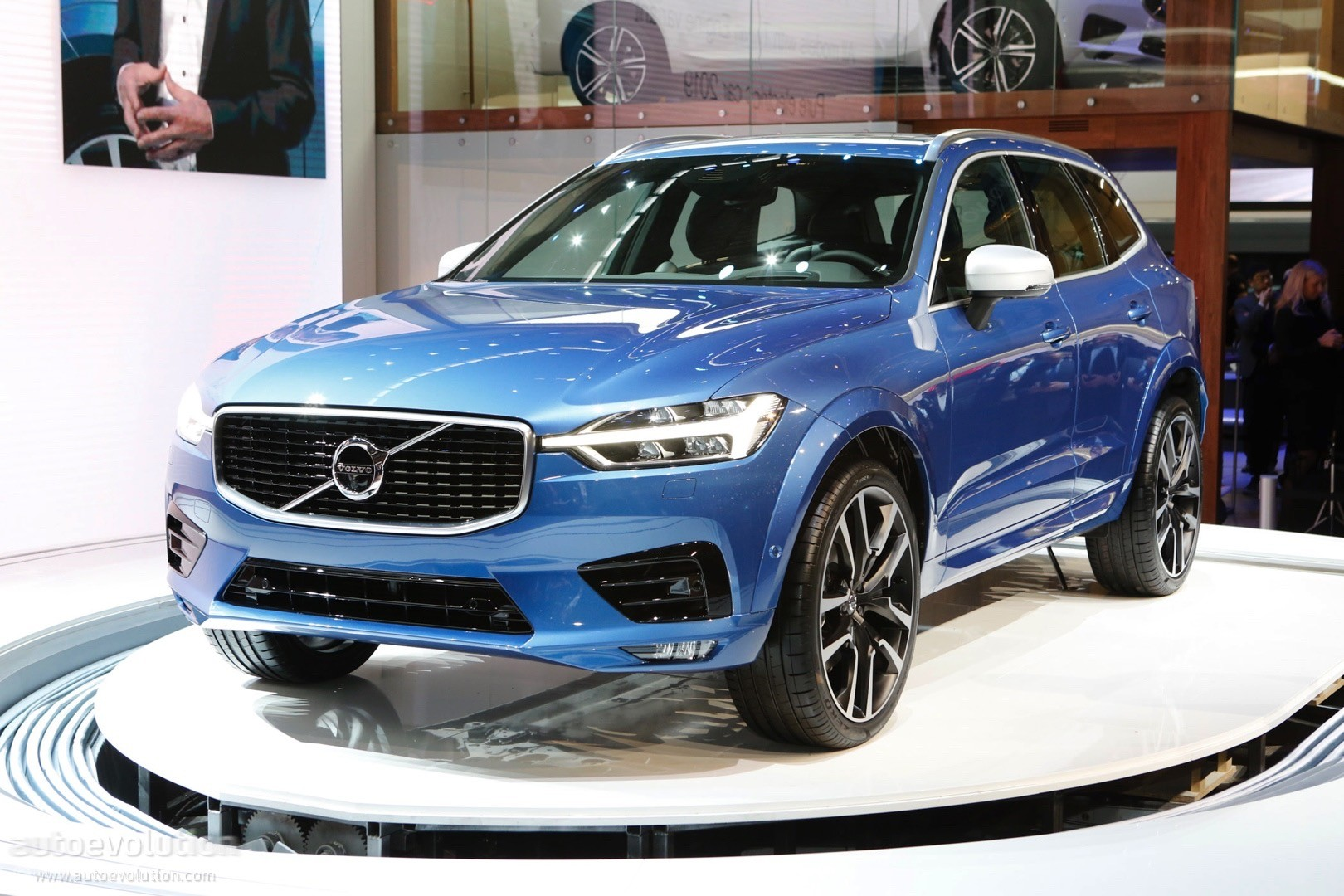 in suv car driver crossover volvo and original model review reviews depth photo s