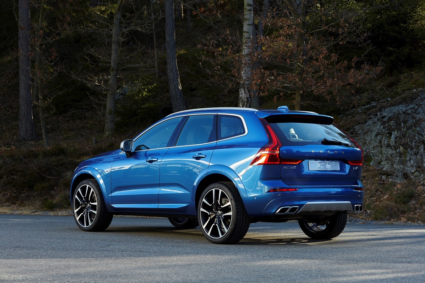 2018 volvo xc60 is the sexiest crossover suv in geneva autoevolution. Black Bedroom Furniture Sets. Home Design Ideas