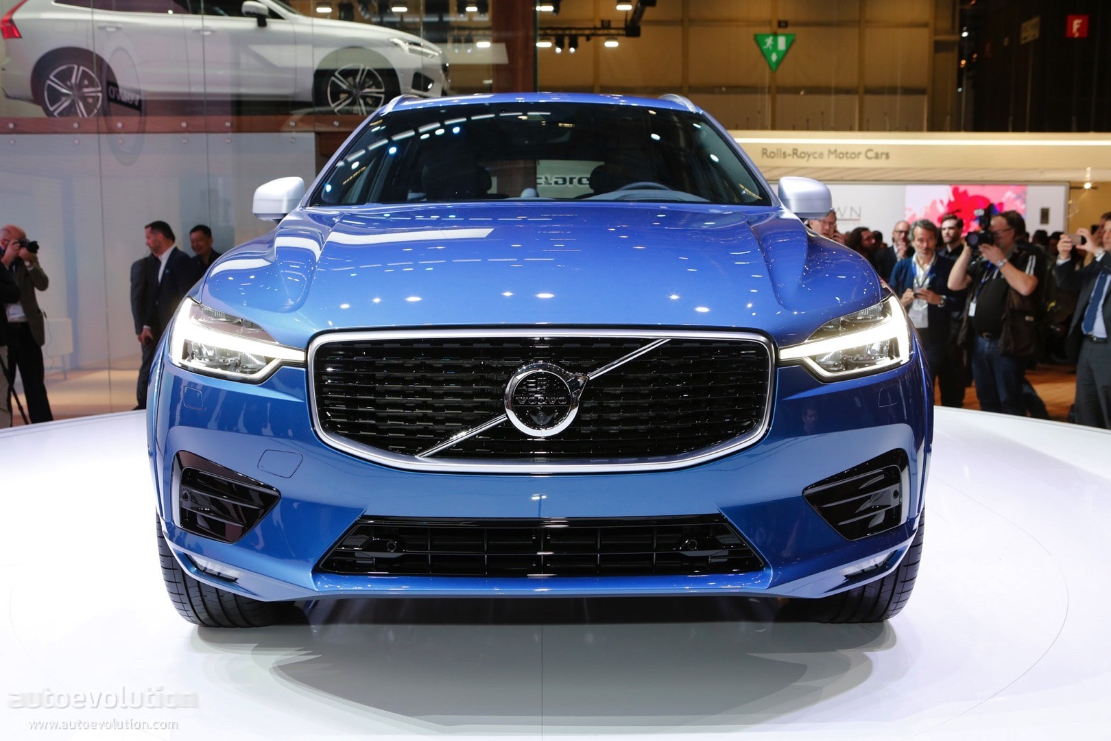 2018 Volvo Xc60 Making U S Debut At New York Auto Show