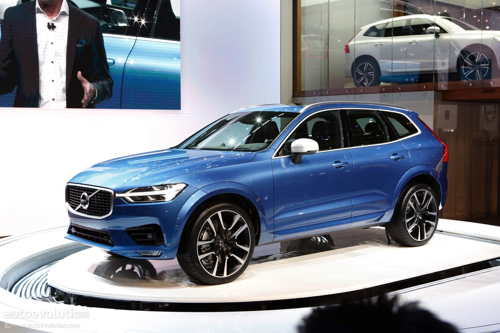 2018 Volvo XC60 Making U.S. Debut at New York Auto Show ...