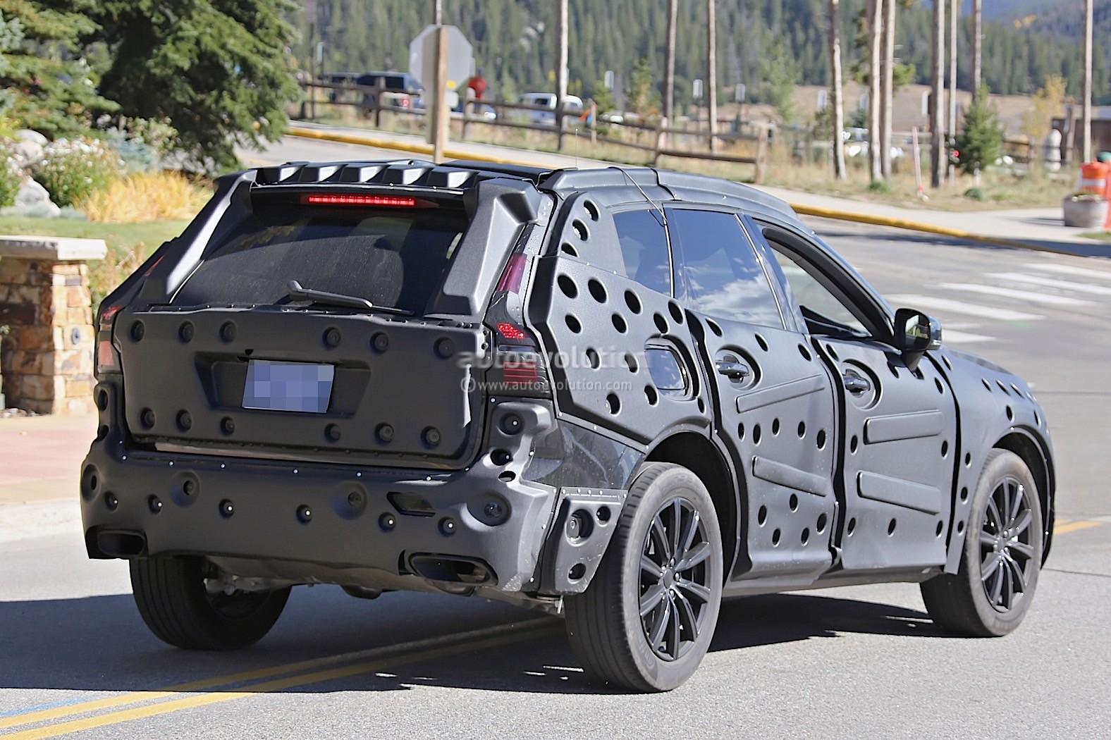 2018 Volvo Xc60 Prototype Shows Some Of Its Interior