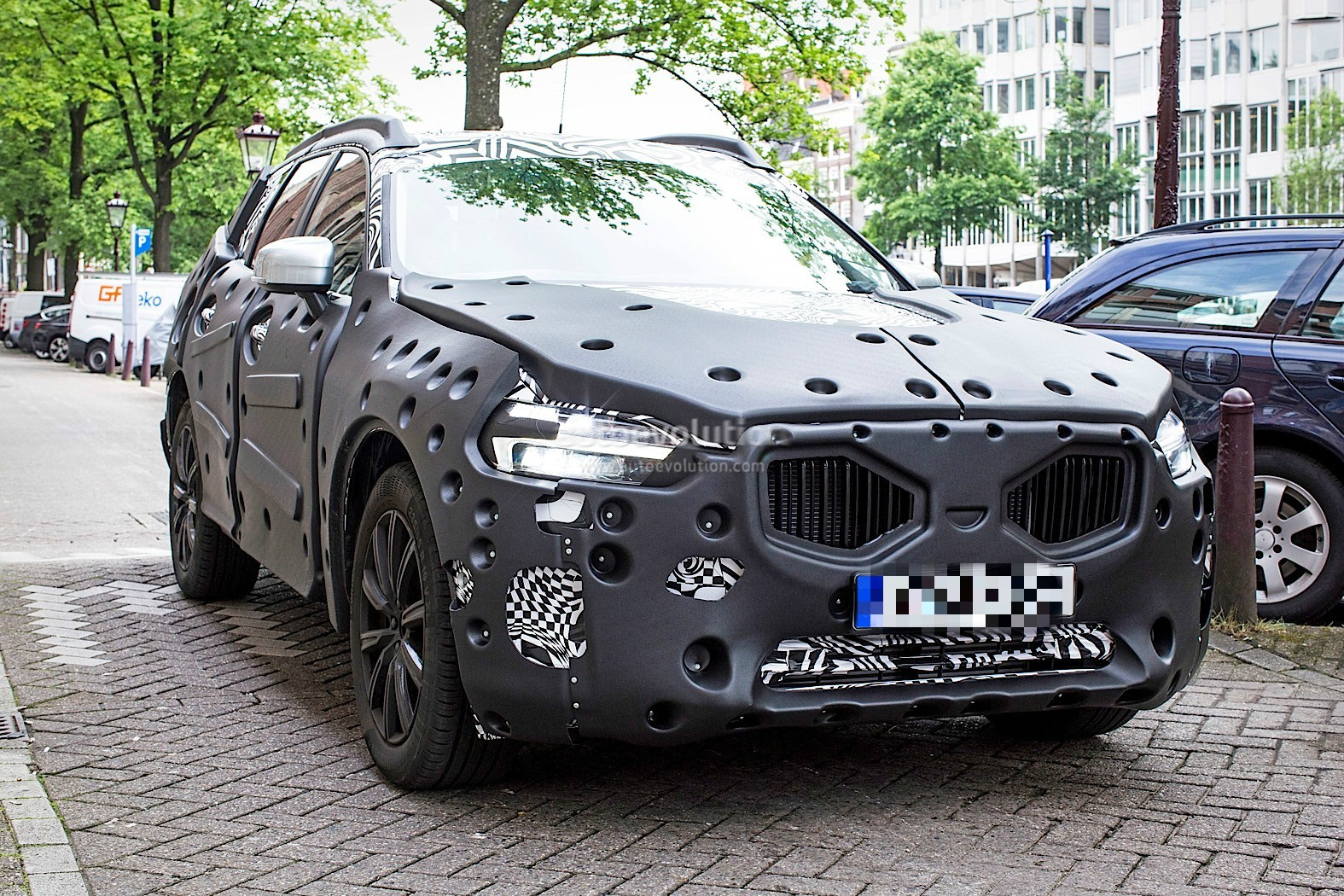 2018 Volvo XC60 Spied For The First Time in Amsterdam - autoevolution